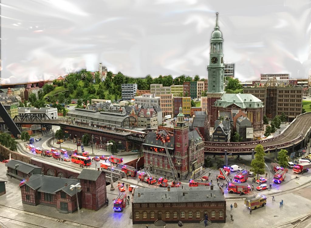 Miniatur Wunderland: Hamburg Michel und Feuerwehreinsatz