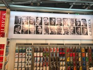 Autorenfotos Am Stand von C.H. Beck