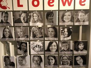 Autorenfotos Am Stand von Loewe