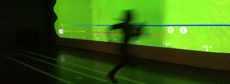 Wer ist schneller. Mensch oder Tier? Laufstrecke im Dynamikum