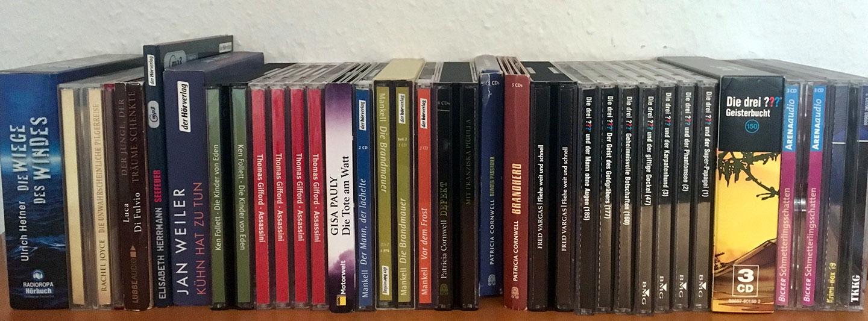 Eine Reihe von Hörbuch-CDs
